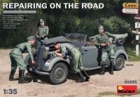 Ремонт на дороге (автомобиль Typ 170V кабрио и 4 фигуры)