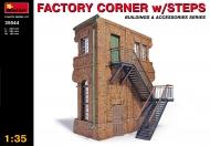 Угол фабрики с лестницей